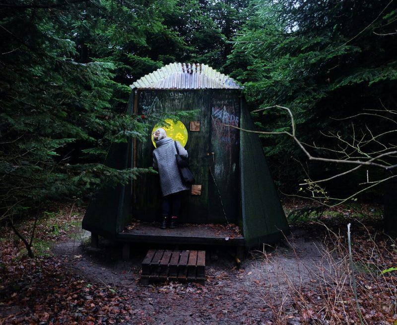 Installationen Another Dimension (2017) af Anne-Sofie Overgaard, Skovsnogen, Kibæk.